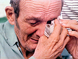 Cuban refugee breaks down upon his arrival at Key West, Florida from Mariel, Cuba during the Mariel Boatlift