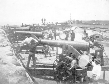 Columbiad guns of the Confederate water battery at the entrance to Pensacola Bay (1861)