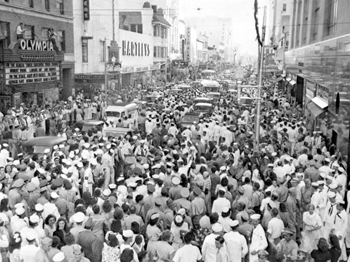 East Flagler Street 20 minutes after surrender: Miami, Florida (1945)