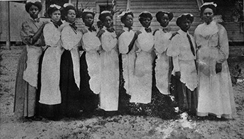 Cooking class, Daytona Educational and Industrial Training School for Negro Girls (1910 or 1911)