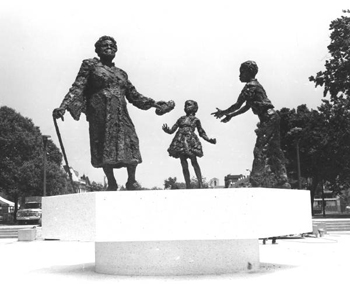 Mary McLeod Bethune statue in Lincoln Park, Washington, D.C. (194-?)