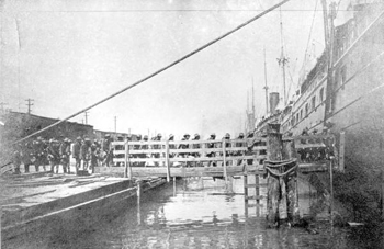 9th U.S. Cavalry embarking for Cuba: Port Tampa, Florida (1898)