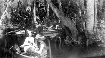 Florence Dakin and friend Eloise Bennett on the Saint Johns River near Racimo Plantation