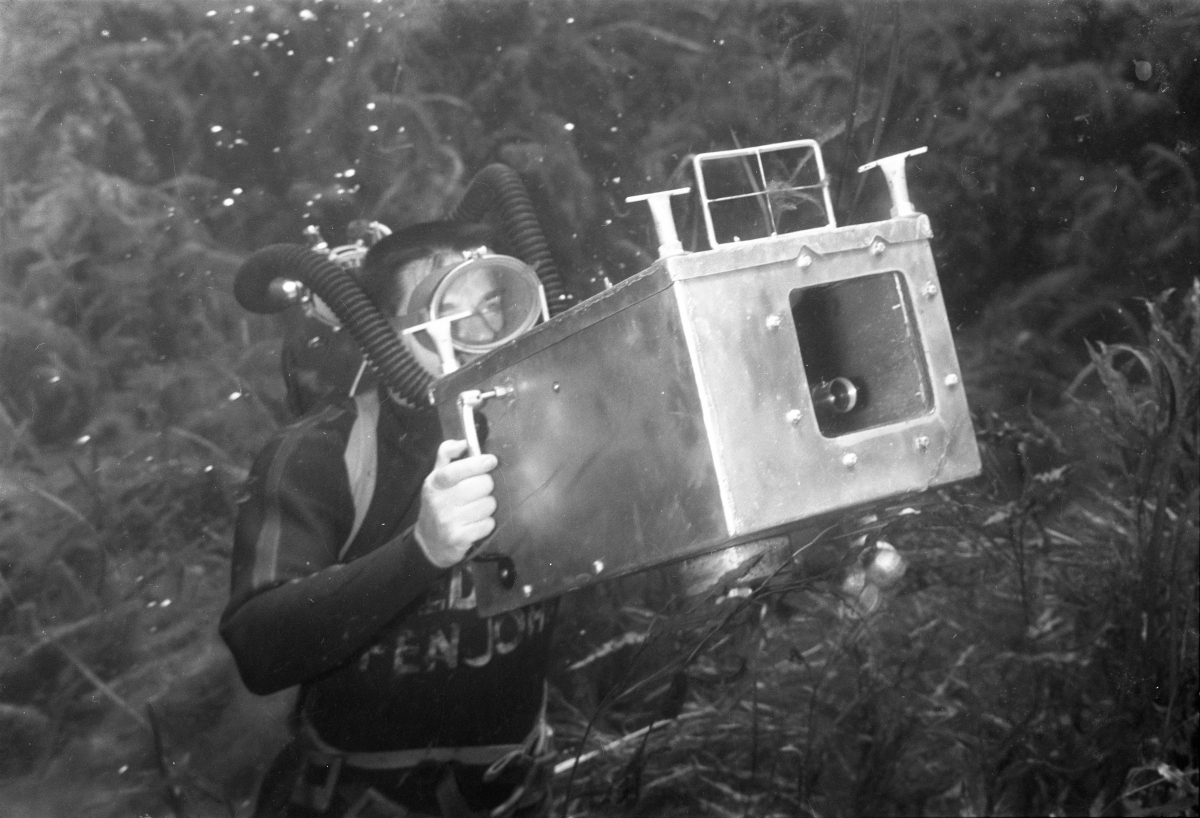 Photographer Bruce Mozert in Silver Springs with his underwater camera.