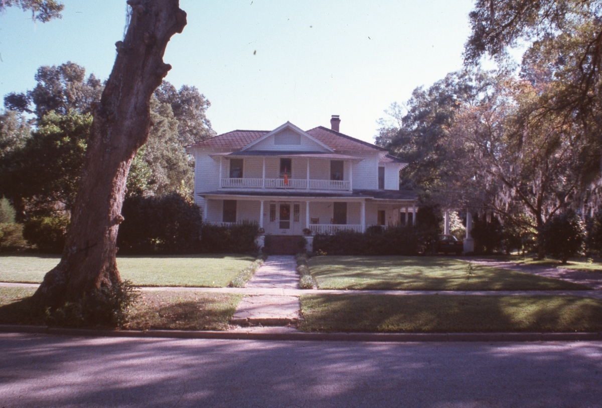 Looking south at the McGeachy-Futch house in Dade City.