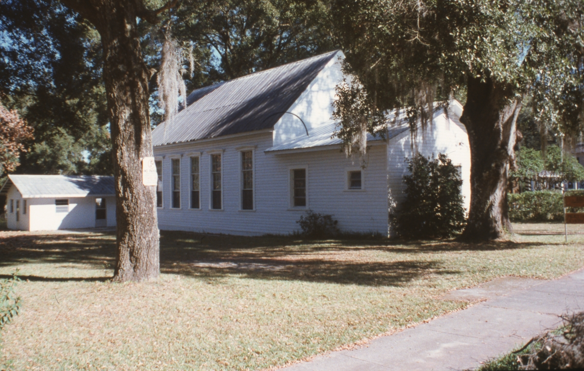 Looking northeast at the Bethel Primitive Baptist Church in Dade City.