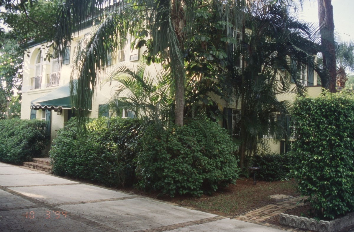 Photographs of the Lavender house in Boca Raton.