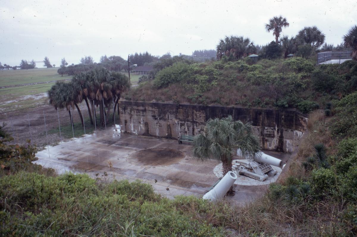 Photographs of Fort De Soto Park.