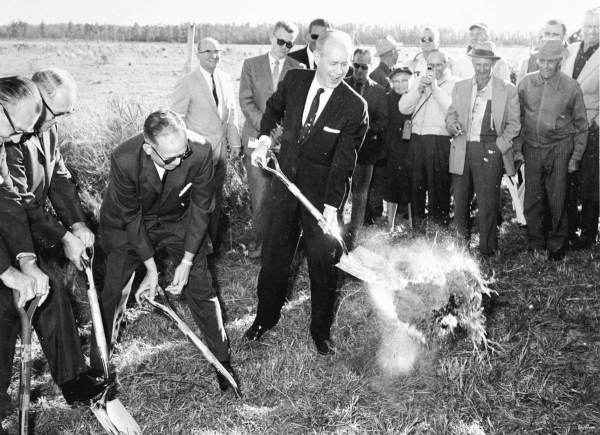 Governor Bryant breaking ground for an extension to the Sunshine State Parkway.