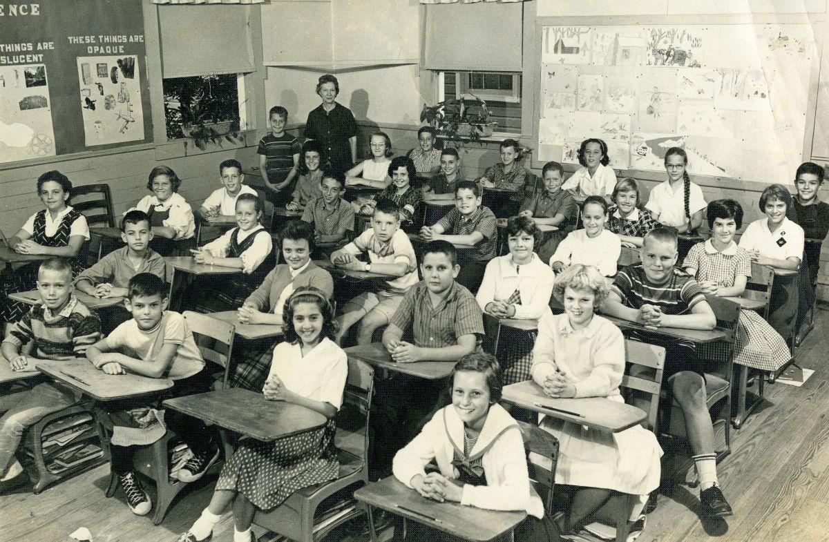 Kate Sullivan Elementary School 6th grade class for 1961-1962.
