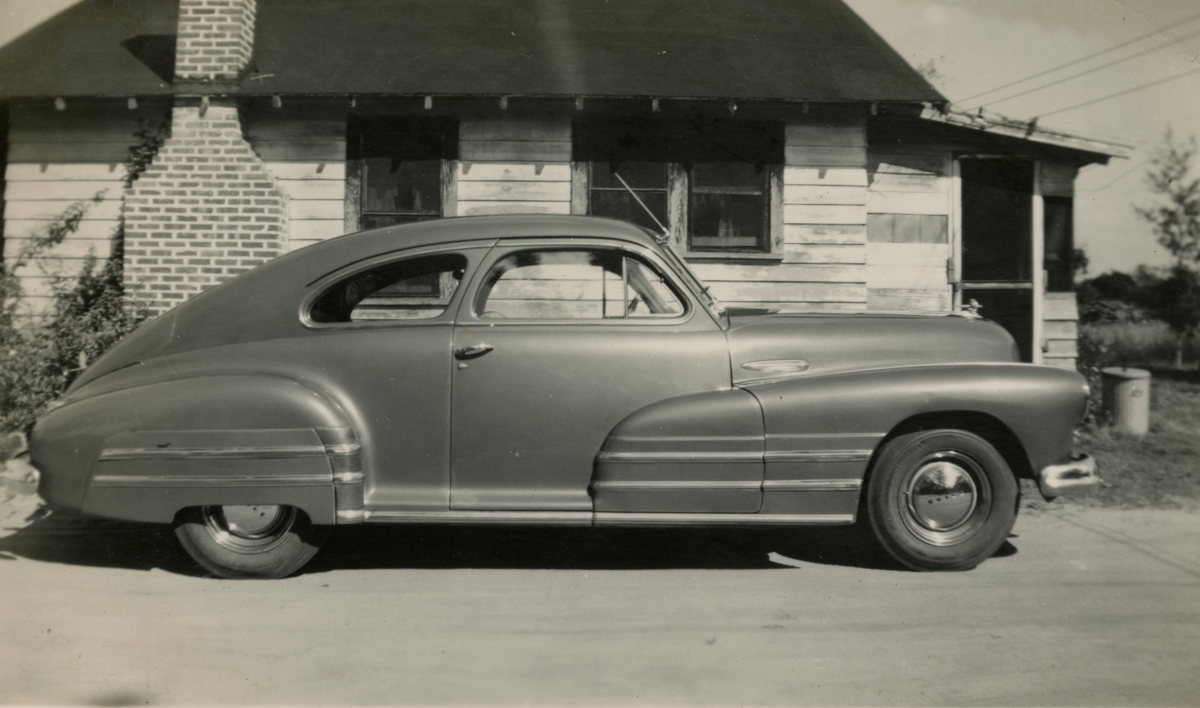 1947 Buick eight special sedanette shown during Central Florida vacation of the Hall family from Michigan.