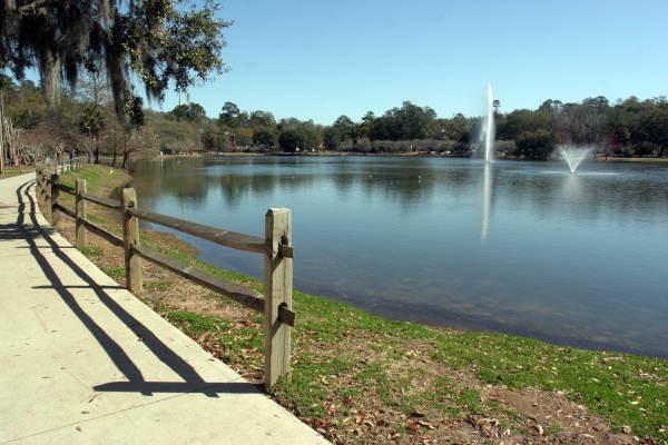 View of Lake Ella in Tallahassee, Florida.