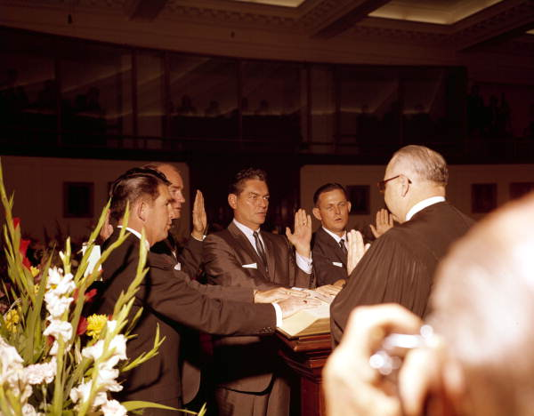 Justice B.K. Roberts swearing in 4 senators in the Senate Chamber on opening day of Legislature - Tallahassee, Florida