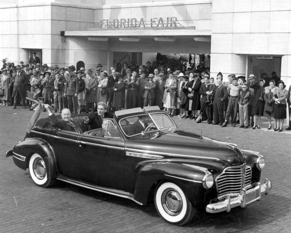 Governor Spessard L. Holland (right) and Mayor Chancy : Tampa, Florida (1941)