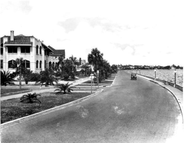 View down Bayshore Boulevard - Tampa, Florida.