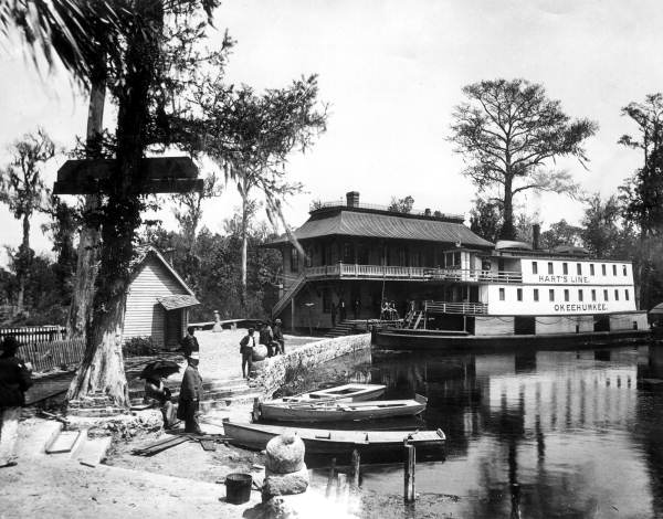 """River steamboat """"Okeehumkee"""" on the waterfront at Silver Springs."""