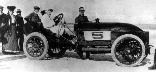 Arthur McDonald in Napier racer - Daytona Beach, Florida.