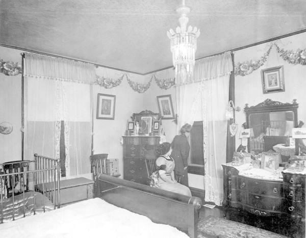 Marina Haya Forre and Fannie Haya in bedroom - Tampa, Florida.
