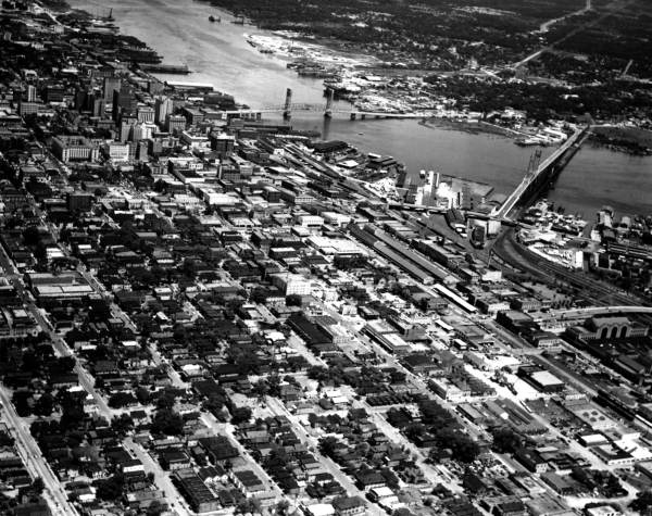 Aerial view of Jacksonville and the Saint Johns River.