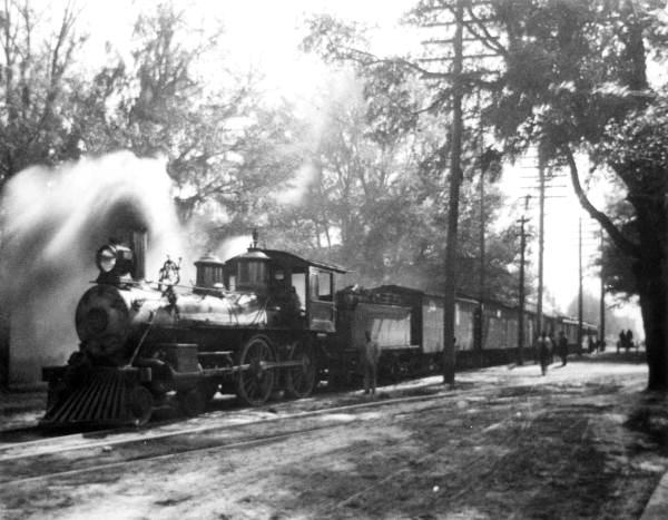Atlantic Coast Line Railroad steam engine 555 - Gainesville, Florida.
