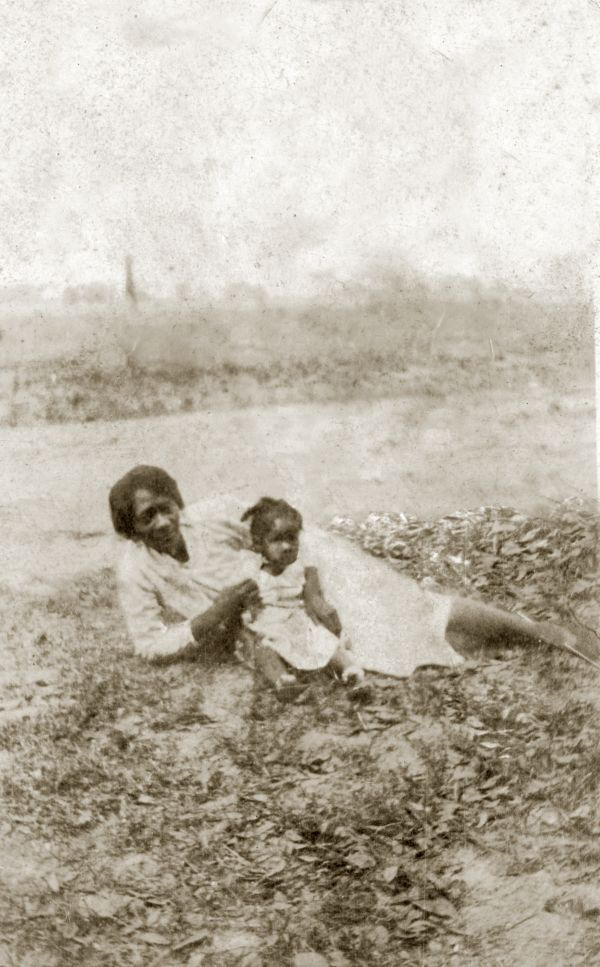 Dorothy Nash Tookes with daughter Delores.
