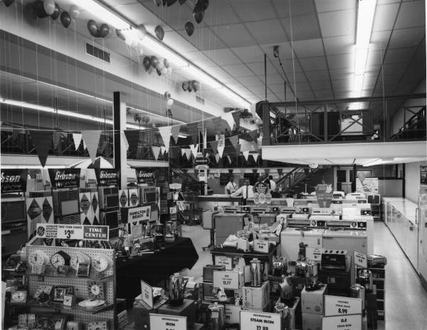 View of interior of McDuff Appliances on North Monroe - Tallahassee, Florida .