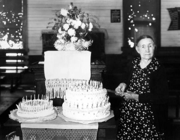 Mary Elizabeth Jones and her birthday cake.